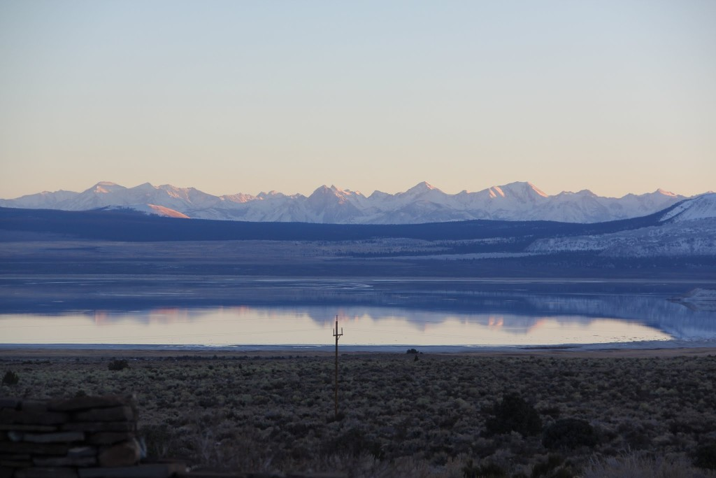 Mono lake and mountains